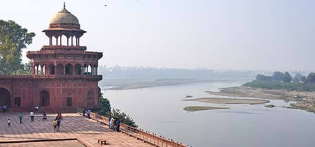 Yamuna-river-nears-taj-Mahal