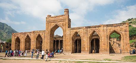 Adhai-Din Ka-Jhonpra-mosque-in-Ajmer